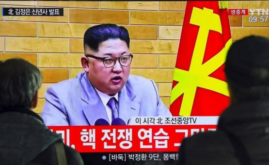 Em discurso de Ano Novo, líder norte-coreano diz que mantém 'botão nuclear' na sua mesa, mas oferece diálogo