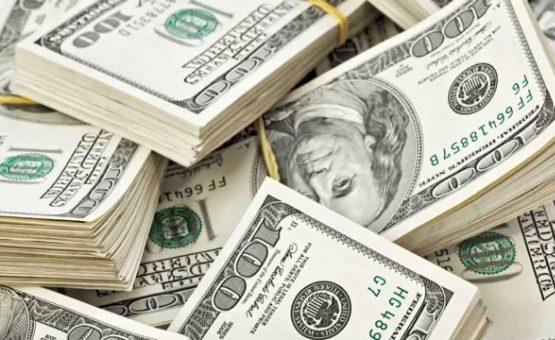 Ingresso de dólares no Brasil supera retirada em US$ 625 milhões em 2017