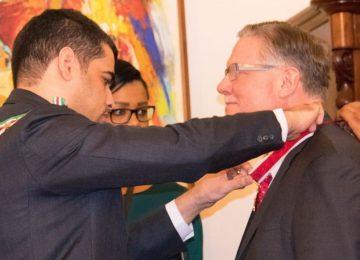 Diretor Executivo da mineradora Rosebel foi homenageado pelo governo do Suriname