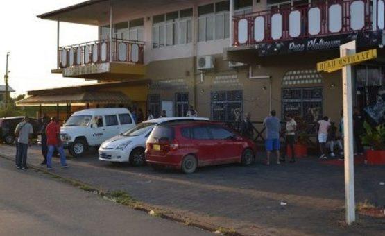 Tiroteio dentro de um bar em Paramaribo-Norte terminou em morte