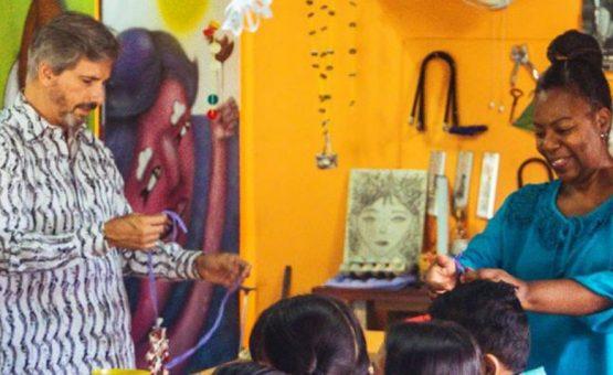 "Embaixador Laudemar Aguiar visitou museu infantil ""Villa Zapakara"" no Suriname"
