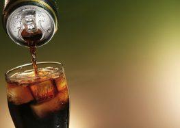 As bebidas gasosas engordam? Testamos o efeito delas sobre o corpo e temos a resposta