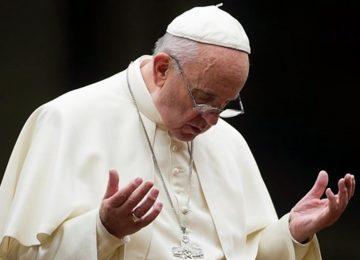 Papa Francisco alerta que mundo está a um passo de guerra nuclear