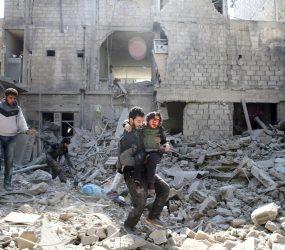 No 4º dia de bombardeios, moradores da região síria de Guta Oriental dizem 'esperar para morrer'