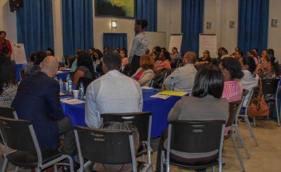 Primeira-dama Ingrid Bouterse fala sobre a importância dos direitos da criança no Suriname