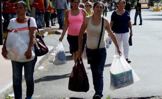 Fuga da fome: como a chegada de 40 mil venezuelanos transformou Boa Vista