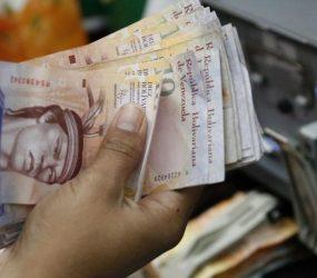 Venezuela anuncia desvalorização de 99,6% da taxa de câmbio oficial