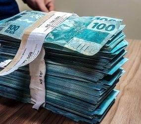 Cinco são presos com cerca de R$ 10 mil em notas falsas na BA; mulher foi flagrada ao tentar comprar bebida na micareta