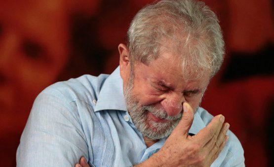 Neta de Lula pede a libertação do avô em carta 'Por favor, libertem o gigante Luiz Inácio'