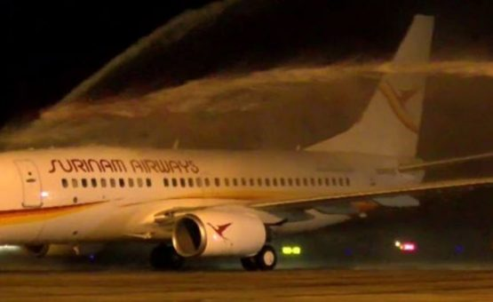 Novo Boeing 737-700 da SLM chega ao Suriname