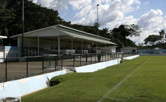 Estádio Clarence Seedorf foi colocado á venda no Suriname