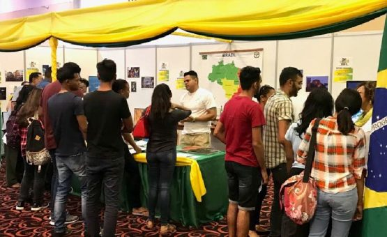 Centro Cultural Brasil Suriname participou da Feira Internacional de Bolsas de Estudos no KKF