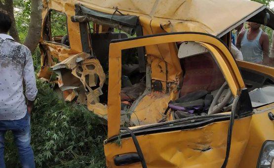 Acidente com ônibus escolar na Índia mata 11 crianças e deixa 7 feridas