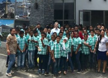 Centro Cultural Brasil Suriname recebeu 65 estudantes da escola O.S Flustraat em Paramaribo (Veja as fotos)