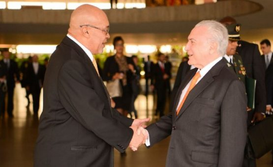 Presidente Desi Bouterse foi recebido por Michel Temer em Brasília (Veja as fotos)