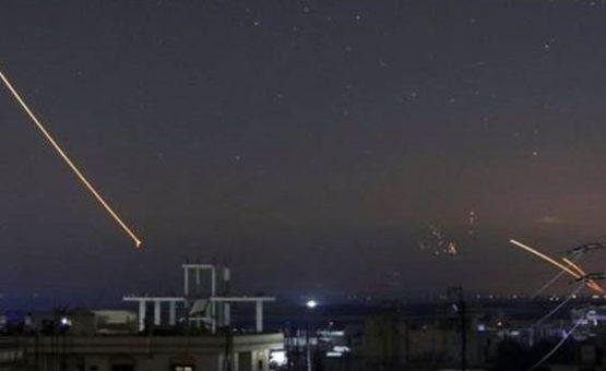 Ataque de Israel em resposta a mísseis iranianos deixou mais de 20 mortos na Síria