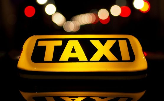 Donos de garagens de táxi no Suriname não tem como suportar um novo aumento de combustível