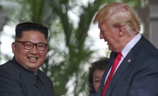 Kim Jong-un se compromete com desnuclearização completa após encontro com Trump em Si