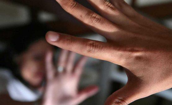 Menino de 6 anos é estuprado por funcionários de escola