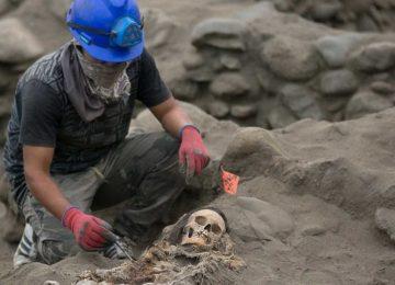 Encontrados restos mortais de 56 crianças vítimas de ritual