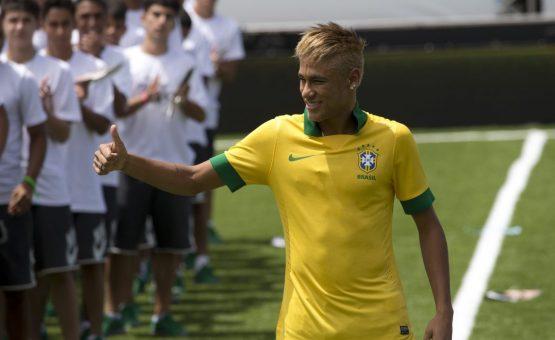 A Seleção Brasileira volta aos gramados para o segundo jogo na Copa do Mundo.