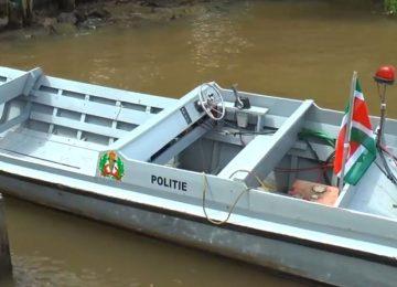 Novo barco da polícia vai ajudar no combate à pirataria nos rios do Suriname