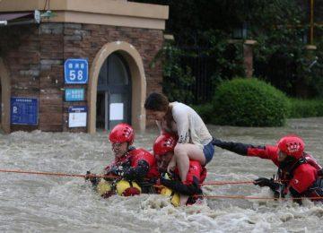 Enchentes causam estragos na China, bloqueiam estradas e ferrovias; expectativa é de mais chuva