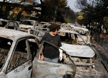 Sobe o número de mortos nos incêndios florestais na Grécia