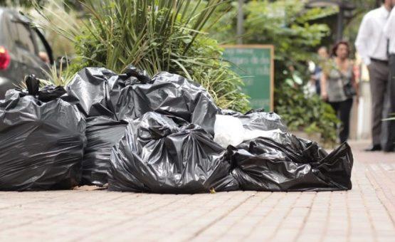 Quase metade das cidades brasileiras não tem plano para resíduos sólidos, diz IBGE