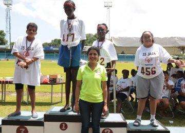 Ministra Lalinie Gopal entregou medalhas aos atletas da XVII Nationale Special Olympic