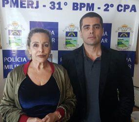 Mãe do Dr. Bumbum deixa a cadeia no Rio após liberação da Justiça