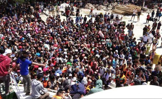 Após terremoto, Indonésia busca sobreviventes e retira turistas da ilha de Lombok
