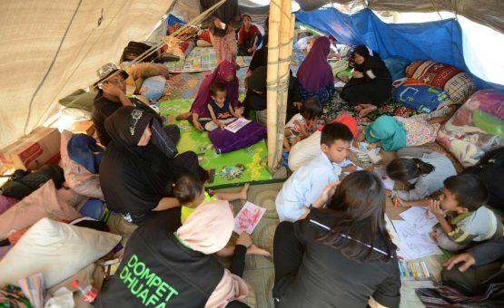 Terremoto deixa 70 mil desabrigados na Indonésia e nº de mortos passa de 130