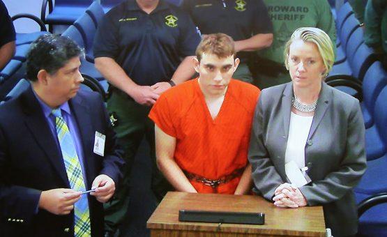 Autor do massacre de Parkland, nos EUA, diz que voz 'diabólica' o mandou matar