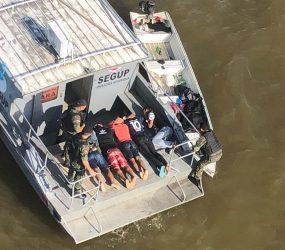 Assalto em embarcação deixa passageiros e tripulantes reféns ao sair de Ponta de Pedras
