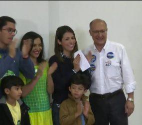 Geraldo Alckmin vota em escola da Zona Sul de São Paulo