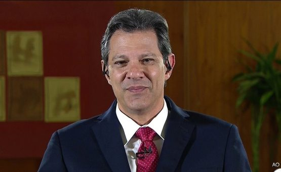 Haddad desiste de constituinte, diz que vai propor apenas emendas e se afasta de José Dirceu