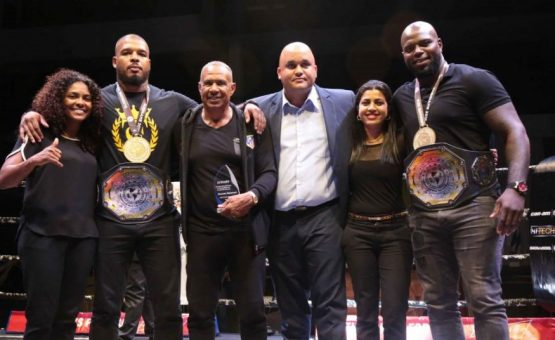 Ministra Lalinie Gopal homenageou atletas no Campeonato Pan-americano de Muay Thai no Suriname