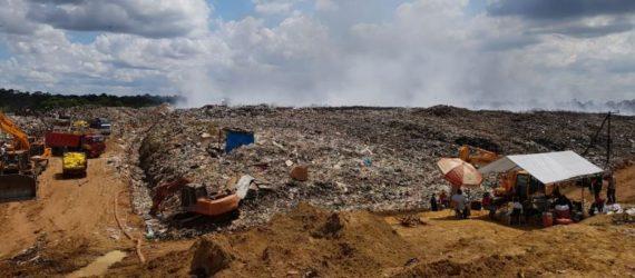 Famílias afetadas pela fumaça e o mau cheiro são atendidas pelo Serviço Regional de Saúde do Suriname