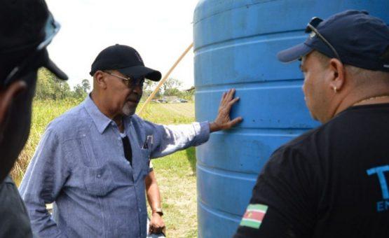 Presidente Desi Bouterse visitou o distrito de Commewijne para inspecionar obras de infra-estrutura (Fotos)