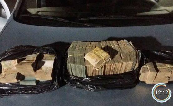 Policial civil aposentado é detido com R$ 500 mil em dinheiro na Fernão Dias em Vargem