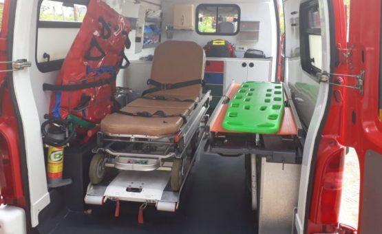 Corpo de Bombeiros do Suriname recebe ambulância da Guiana Francesa