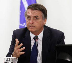 Bolsonaro segura reajuste anual para dar 13º salário no Bolsa Família