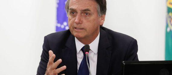Bolsonaro fala em arrependimento por ser pai: 'se Flávio errou, vai ter de pagar'