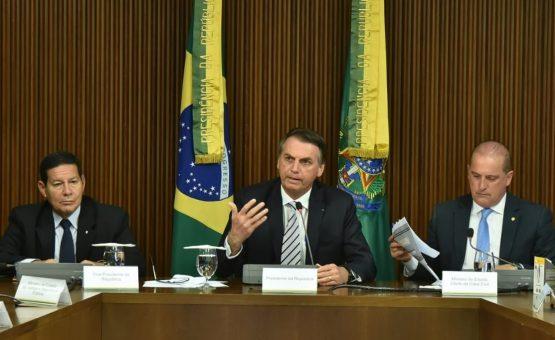 Equipe aconselha Bolsonaro a acelerar escolha de porta-voz