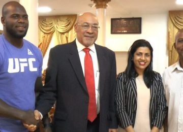 """Bigi Boi"" foi recebido pelo presidente Desi Bouterse"