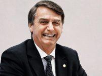 Bolsonaro diz que voltou a se alimentar comendo caldo de carne e gelatina em hospital de SP: 'Estou feliz'