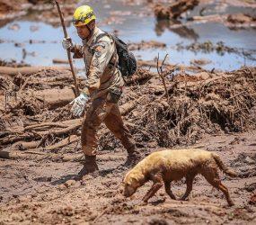 Bombeiros dizem que operação pode terminar sem resgate de todos os corpos em Brumadinho