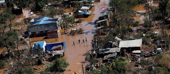Número de mortos após passagem de ciclone na África passa de 700