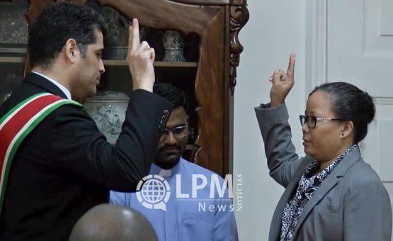 Vice-presidente Ashwin Adhin da posse a membros do Tribunal de Disciplina Médica